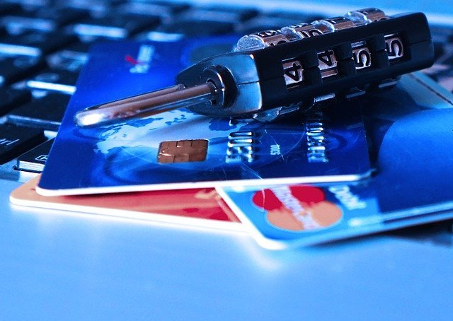 Avocat droit des affaires, avocat assurance banque, contentieux bancaire, litige bancaire, avocat bancaire, litige carte bancaire, litige chèque, litige virement, litige paiement