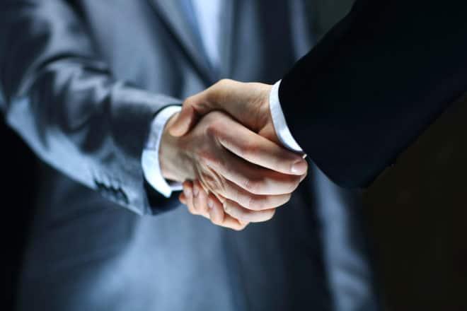 Avocat droit des affaires, avocat contrats commerciaux, contrats commerciaux, contrats de franchise, rupture brutale des relations commerciales, litiges commerciaux, contentieux commerciaux